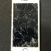 立川市からのお客様 iPhone(アイフォン)5S 車にひかれてガラス割れ修理
