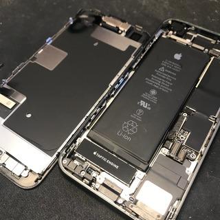 昭島市からのお客様 iPhone8(アイフォン8)の水没で画面に縦線・ホームボタン効かず。。。