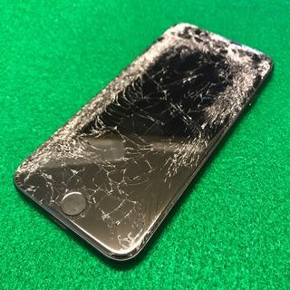 立川市からのお客様 iPhone7(アイフォン7)の車に轢かれてバキバキになった画面修理